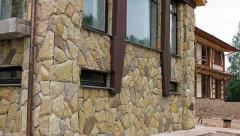 Облицовка дома каменными стенами